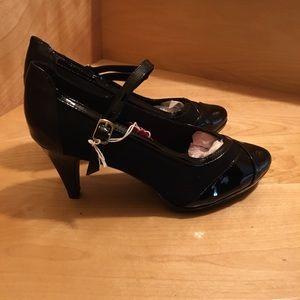dexflex comfort Shoes - Black Dexflex Heels Patent & Faux Suede